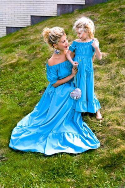 Тренд: одинаковый наряд у мамы и дочки — фото 11