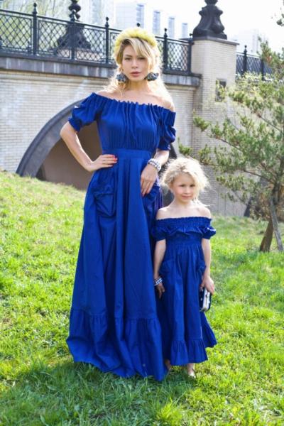 Тренд: одинаковый наряд у мамы и дочки — фото 6