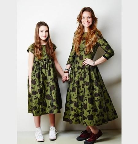 Тренд: одинаковый наряд у мамы и дочки — фото 7