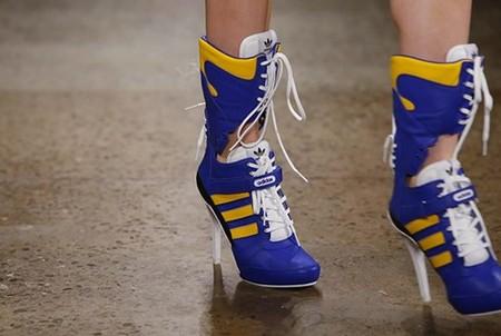 Кроссовки на каблуках. Забавно и модно — фото 2