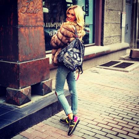 Звезды в восторге от рюкзака Chanel — фото 2