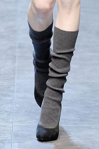 """Вязаные туфли в сочетании с классическими """"лодочками"""