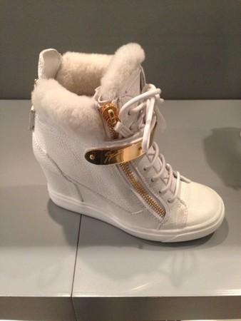 """Мода на обувь """"Сникерсы"""". Какие они бывают и с какой одеждой их носят? — фото 6"""
