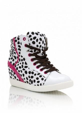 """Мода на обувь """"Сникерсы"""". Какие они бывают и с какой одеждой их носят? — фото 4"""