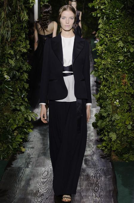 Неординарные коллекции Haute Couture осень-зима 2014-2015 на неделе высокой моды в Париже — фото 31
