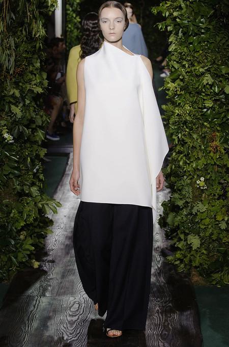Неординарные коллекции Haute Couture осень-зима 2014-2015 на неделе высокой моды в Париже — фото 25