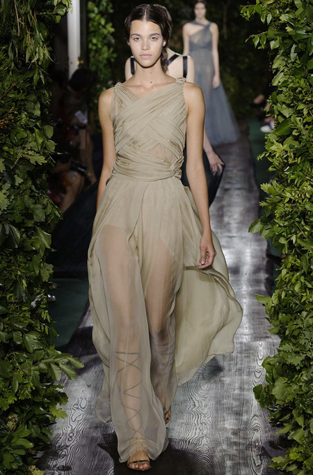 Неординарные коллекции Haute Couture осень-зима 2014-2015 на неделе высокой моды в Париже — фото 37