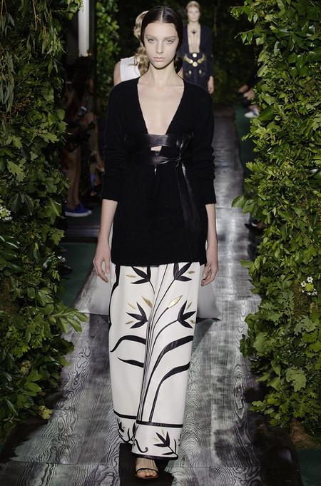 Неординарные коллекции Haute Couture осень-зима 2014-2015 на неделе высокой моды в Париже — фото 17
