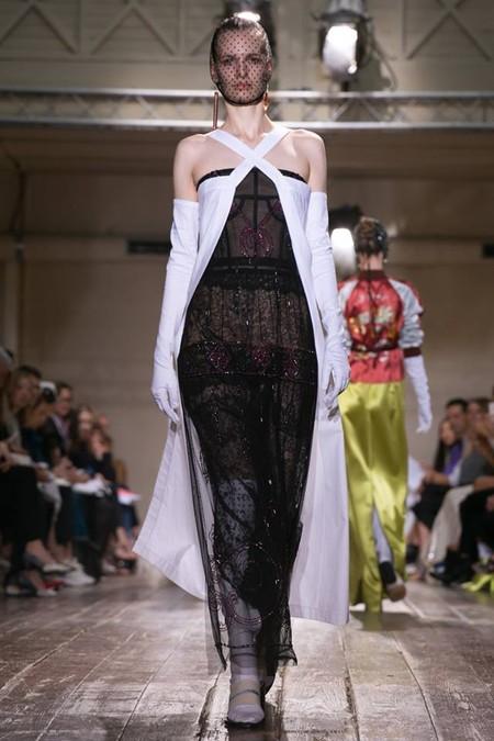 Неординарные коллекции Haute Couture осень-зима 2014-2015 на неделе высокой моды в Париже — фото 48