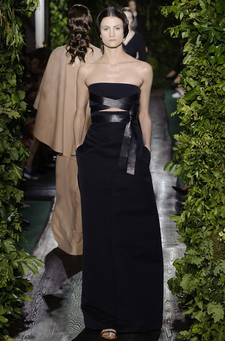 Неординарные коллекции Haute Couture осень-зима 2014-2015 на неделе высокой моды в Париже — фото 28