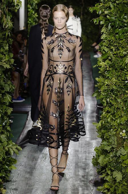 Неординарные коллекции Haute Couture осень-зима 2014-2015 на неделе высокой моды в Париже — фото 11