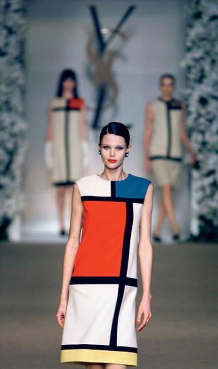 Платье Modrian и сегодня смотрится великолепно