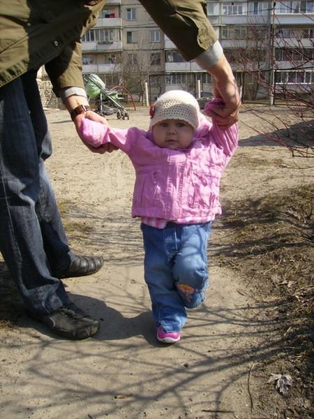 Учимся ходить: вожжам и ходункам - нет! — фото 3
