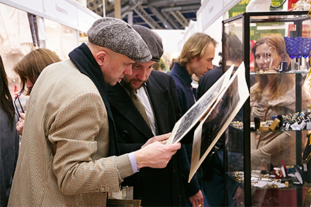 48-й сезон художественного проекта «Блошиный рынок» на Тишинке. Спецпроект «Балет в артефактах» — фото 4
