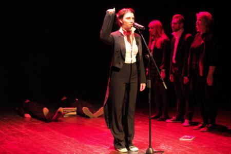Спектакль «Площадь революции, 17» Московского театра поэтов покажут на сцене Центра Драматургии и режиссуры — фото 3