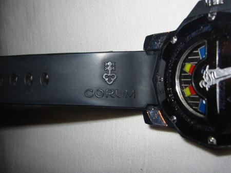 Часы CORUM.