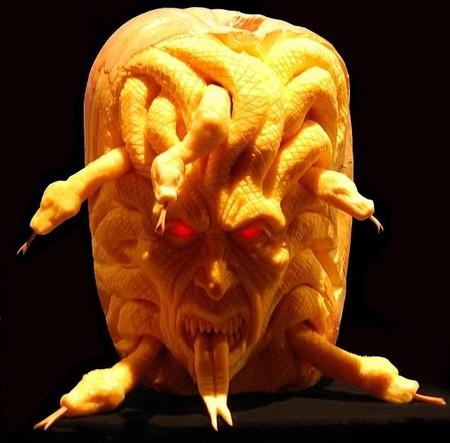 Современный символ Хэллоуина в лицах скульптур Рэя Виллафэйна — фото 3