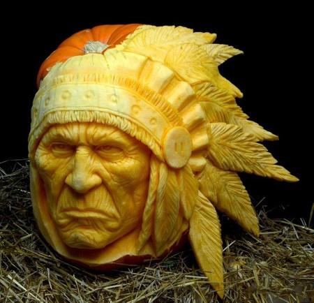 Современный символ Хэллоуина в лицах скульптур Рэя Виллафэйна — фото 5