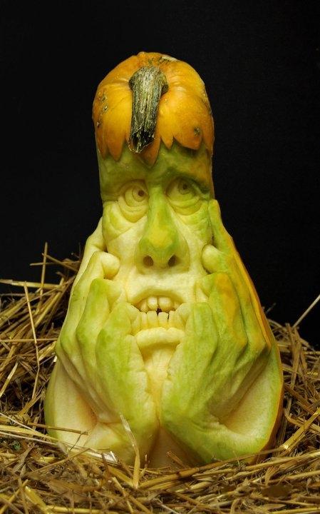 Современный символ Хэллоуина в лицах скульптур Рэя Виллафэйна — фото 11