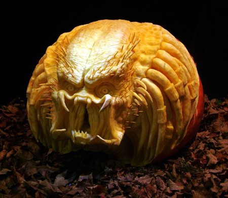 Современный символ Хэллоуина в лицах скульптур Рэя Виллафэйна — фото 9