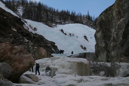 Ледопады Могувека по дороге на вершину.