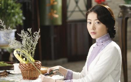 Линн Хунг, хороший образ жены восточного типа: скромная, застенчивая и нежная..