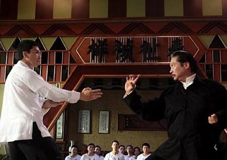 а вот и бой… на столе! за право открыть школу Винь Чунь в Гонконге