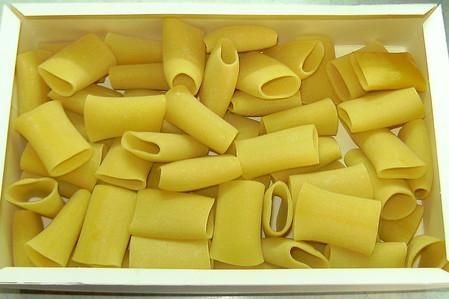 Фаршированные каннеллони, запеченные с сыром — фото 2