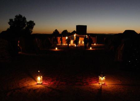 вечером с подсветкой фонариков вид изумительный