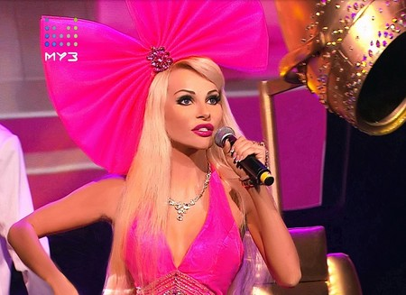 Музыкальную премию ZD AWARDS вручили Тане Тузовой Русской Барби — фото 1