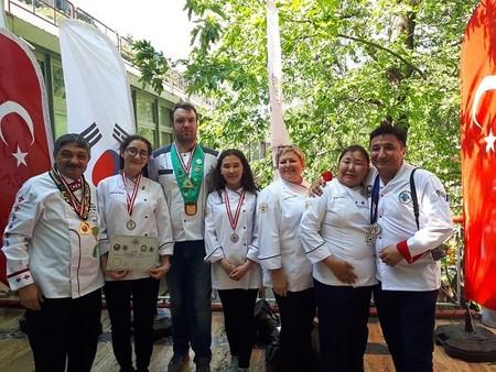 Школьники из Москвы и Якутии привезли Международное серебро по кулинарному Искусству в Россию — фото 1