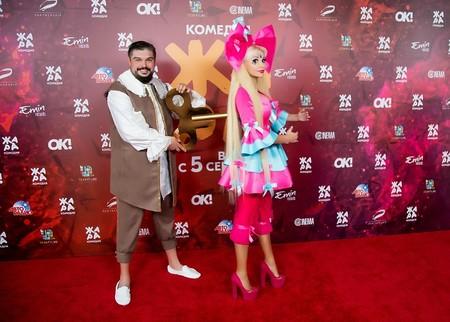 Русской Барби Таня Тузовой вышла на красную дорожку в образе заводной куклы — фото 1