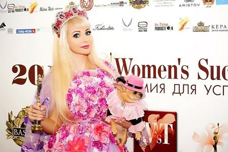 Русская Барби получила одну из самых престижных премий 2018 года — фото 1