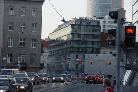 Видно наш отель, мы на 4ом этаже