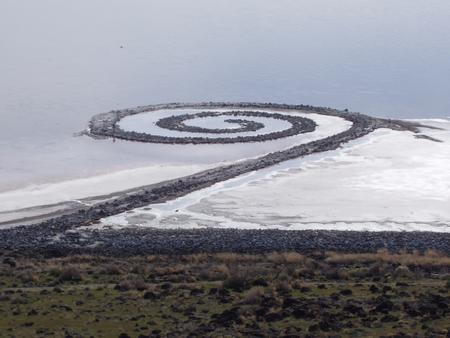 Земляные скульптуры Роберта Смитсона — фото 1