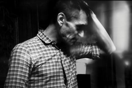 В Санкт-Петербурге обнаружены неизвестные фотографии художника и музыканта Георгия Гурьянова — фото 1