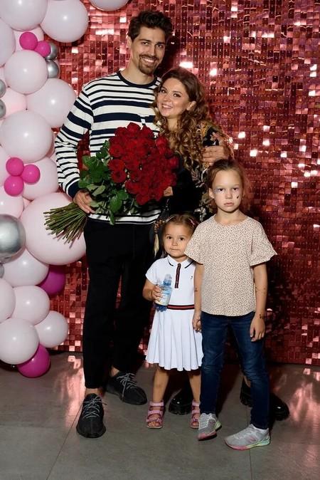 Секс-блогер Катя Вагимагия стала главной героиней шоу на ТНТ и арендовала кинотеатр — фото 1