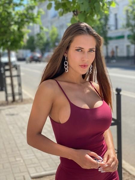 """Анастасия Аникина: """"Мало не значит вульгарно: о том, как носить открытые вещи"""" — фото 2"""