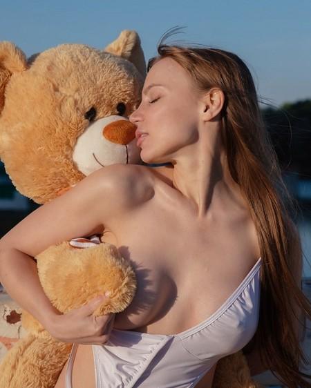 Новую версию песни «Сумерки» Анны Герман представила певица Eva Kate — фото 1