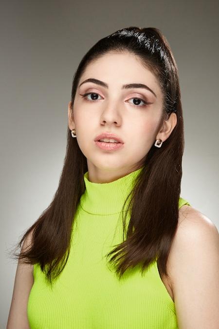 Певица Эвелина Меликян: «Для развития музыкальной карьеры расстояние – не помеха» — фото 1