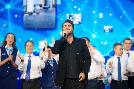 Музыкант и композитор Олег Шаумаров выступил в качестве исполнителя — фото 1