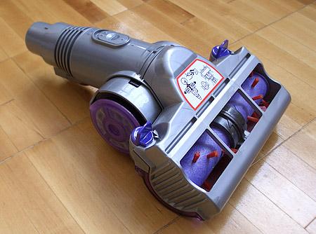 Пылесос Dyson DC08 Animalpro. Обычная физика в необычной форме помогает наводить идеальную чистоту — фото 4