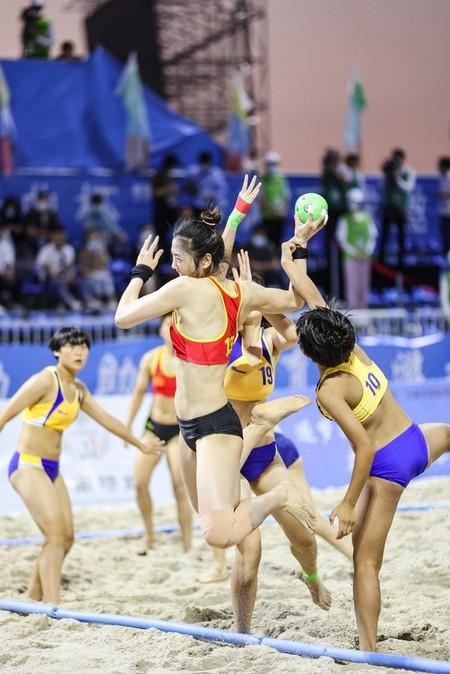 В гостевом турнире по пляжному гандболу выступили команды китайских провинций — фото 1