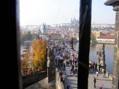 вид на Карлов мост из Старогородской башни