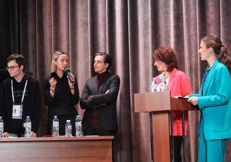 Ведущие журналисты и блогеры России ответили на вопрос Лизы Анохиной — фото 3