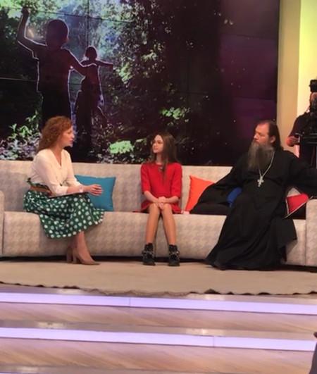 Лиза Анохина стала главной героиней программы о детях-блогерах на канале «Спас» — фото 3