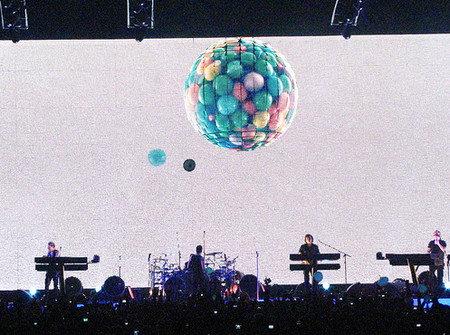 Вселенское ожидание. Концерт Depeche Mode в Санкт-Петербурге. — фото 8