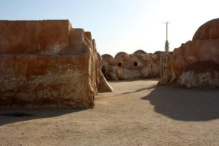 Декорации «Звездных воинов» в пустыне Сахара