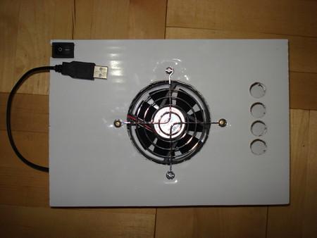 Охлаждающая подставка для ноутбука, работающая от USB порта — фото 1