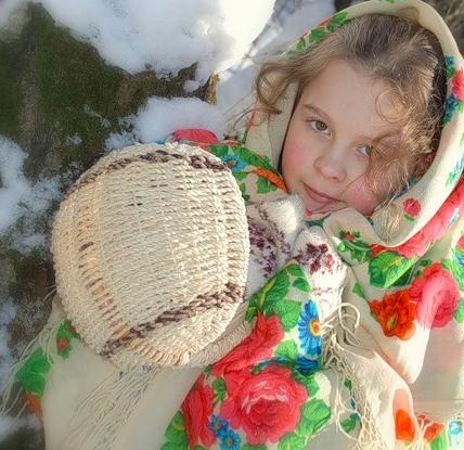 А эту Русскую народную снегурочку я встретила в усадьбе Царицино, сегдня там встречали зиму....